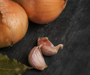 Prevent Cancer by Eating Garlic & Onions!