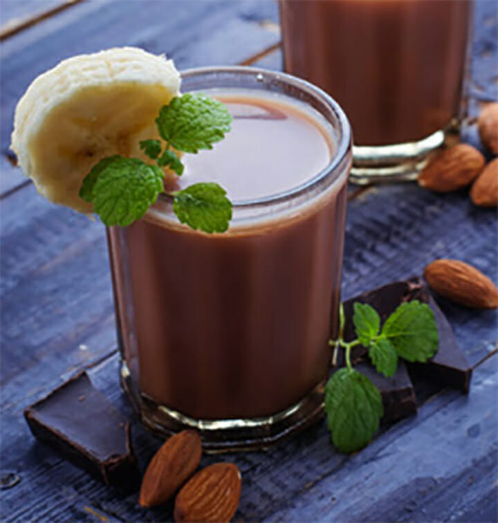 Spicy Almond Chocolate Smoothie