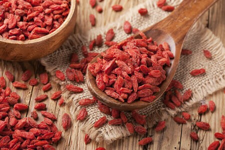 Goji Berries - A Link to Longevity? online holistic health