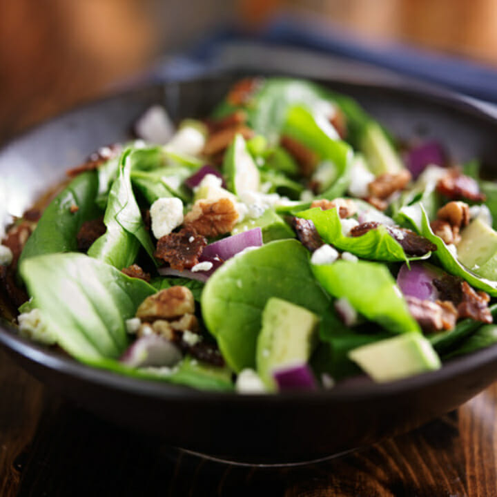 Spinach Avocado and Chili Pepper Salad with Cilantro Dressing