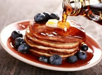 """Real Maple Syrup vs. Artificial """"Maple-Like"""" Syrup"""