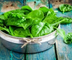 """Strong"" Health Benefits of Spinach!"